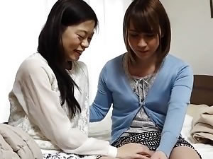 Japanese dickgirls suck each other - Asian tranny blowjob